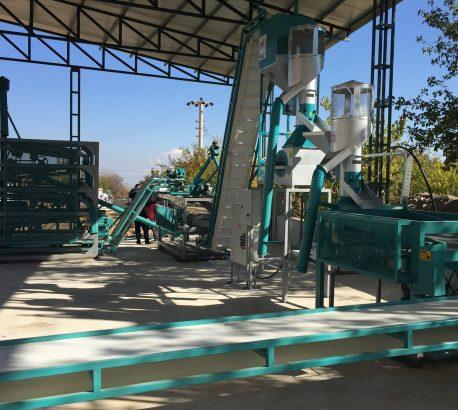 Akçadağ Belediyesi 1 t/h Kırma Kapasiteli Kayısı Çekirdeği Kırma ve Eleme Ünitesini Devreye Aldık